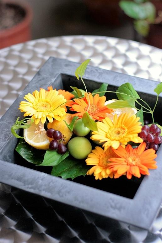 花とフルーツのアレンジ